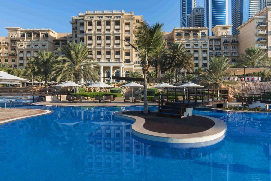 Mina Seyahi UAE April staycations